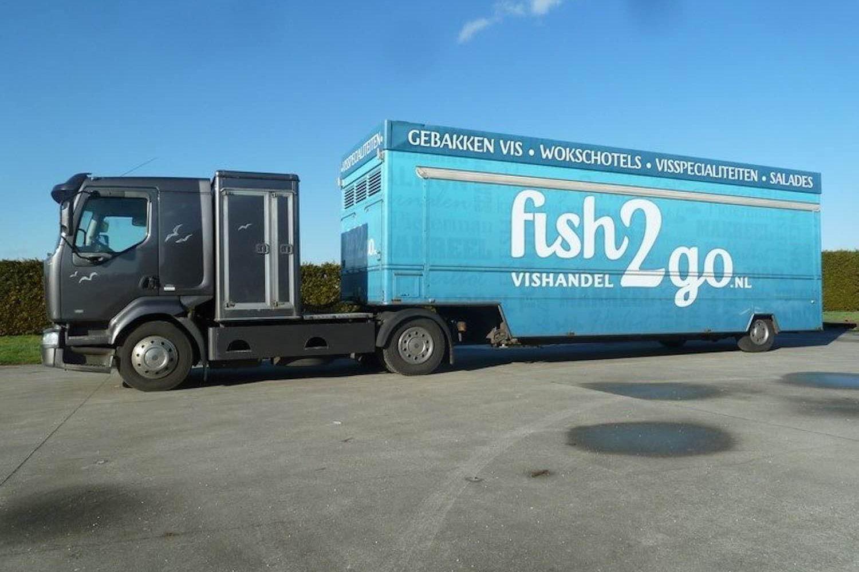 De Vries verkoopwagen oplegger met truck vis snack etc.